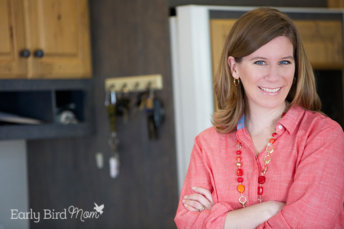 Sarah Mueller of Early Bird Mom. Tons of easy organizing, decluttering and homemaking tips.