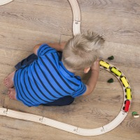 10 Tips for Teaching Kids to Play by Themselves