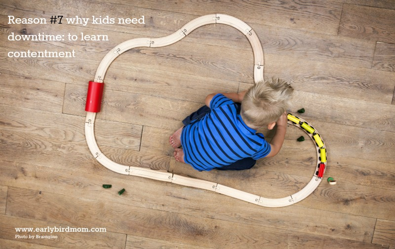 10 Reasons Kids Need Downtime. Kids don't have to be entertained all the time. In fact, time spent playing alone or just hanging out is quite beneficial for kids, even very young ones. Here's why.