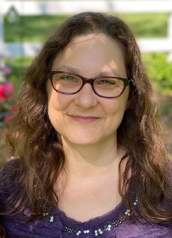 Decluttering School Network Coach Elisa Rasmussen