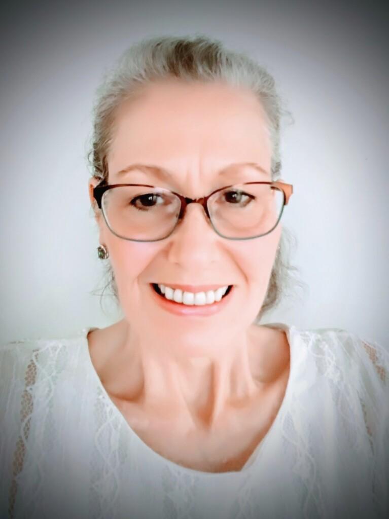 Decluttering School Network Coach - Mary Stanton