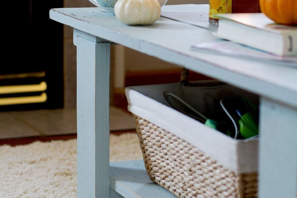keeping coffee table top clear